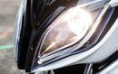 Musim Hujan Bikin Mika Lampu Motor Rentan Kusam, Mitos atau Fakta?