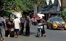 Polisi Lagi Ngopi Dikira Razia, Emak-emang Langsung Pingsan Akibat Kaget
