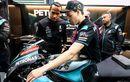 Sebelum Geber Motor MotoGP, Lewis Hamilton Dapat Pengarahan dari Franco Morbidelli