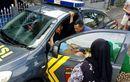 Polwan Jadi Bidan Dadakan, Bumil Sudah Tak Tahan 'Brojol' di Pinggir Jalan, Sempat Masuk Mobil Patroli
