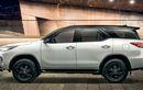 Toyota Fortuner Dual Tone Meluncur, Ada Dua Varian, Mesin Diesel 2.800 Cc