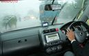 Street Manners: 9 Tips agar Tetap Aman Berkendara saat Hujan Lebat