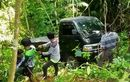 Mobil Pikap Menyendiri di Tengah Hutan, Berhari-hari Terdiam, Tuannya Masih Misterius