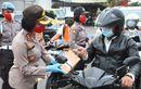 Hari Terakhir Operasi Patuh Lempuyang 2020, Personel Satlantas Polres Karangasem Bali Bikin Pengendara Senang