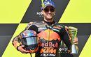 Haru! Brad Binder Tahan Air Mata Saat Lagu Kebangsaan Afrika Selatan Pertama Kali Berkumandang di Podium MotoGP