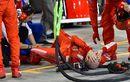 Momen Mengerikan yang Pernah Terjadi F1 Bahrain, Kimi Raikkonen Lindas Kaki Kru Ferrari Sampai Patah