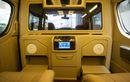 Detail Modifikasi Kabin Toyota HiAce Premio Versi Termewah Dari Baze