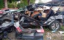 Kijang Innova Acak-acakan di Tol Solo-Semarang, Atap Gepeng, Kaget Tumbuk Truk Pindah Lajur
