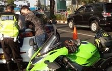Gak Ada Ampun, Polisi Tangkap dan Tilang Pemakai Knalpot Brong, Wajah Pemotor Mendadak Lesu