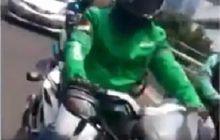 Bikin Pemotor Melongo, Driver Ojol Cari Penumpang Naik Moge Roda Tiga Can Am Spyder