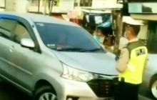 Tegang, Pengemudi Mobil Tabrak Polisi Gara-gara Tolak Ditilang, Kaca Mobil Sempat Dipukul Pemotor