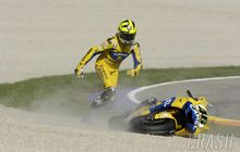 Drama MotoGP Valencia dan Valentino Rossi, Apes