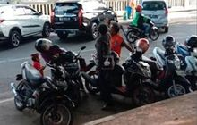 Masuk Kategori Pungli, Tukang Parkir Motor Liar Akan Ditindak Polisi
