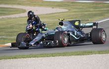 Rugi di Valentino Rossi, Motor Yamaha M1 2019 Tuker Pakai Mobil F1 Lewis Hamilton Versi 2017, Nih Buktinya
