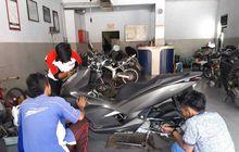 Kocak, Honda PCX 150 Servis di Bengkel Resmi Yamaha, Buat Ngilangin Gredek Pakai Part Yamaha NMAX?