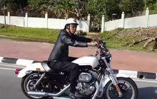 Tunggangi HD Sportster SuperLow, Ustadz Abdul Somad Keliling Bandar Seri Begawan Bareng Brunei Bikers