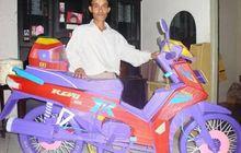 Gokil Banget, Video Seorang Pria Kreatif Membuat Replika Motor Honda Revo Yang Terbuat dari Sedotan