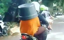 The Power of Emak-emak, Dibonceng Naik Yamaha Mio Malah Pakai Baskom, Polisi Pasti Geleng Kepala