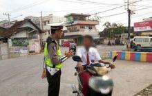 Malunya Bisa Seminggu, Siswa SD Naik Motor Menangis Setelah Diberhentikan Polisi di Lampung
