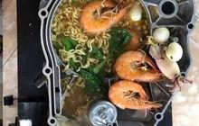 Greget Banget! Restoran Jepang Dijamin Kalah, Ini Cara Makan Mie Instant Ala Anak Motor, Ada Yang Mau Coba?