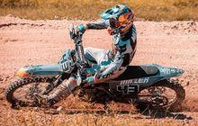 Jadwal MotoGP 2020 Belum Jelas, Pembalap MotoGP Ini Malah Asyik Ngegas Motor Ini, Sampai Pesen Ban Pacul Segala