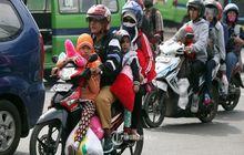 Waspadalah Motor Pribadi dan Ojek Online Dilarang Boncengan Sanksi Denda dan Pidana Menanti