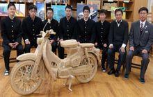 Asli Keren! Hasil Replika Motor Karya Pelajar SMK dengan Modal Kardus, Segini Waktu Bikin Motornya