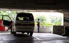 Keciduk Maling Motor, Warga Antar Pelaku ke Polisi Pakai Mobil Jenazah