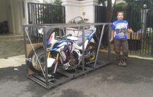 Ajib Nih, UnboxingHonda CRF1100L Africa Twin Adventure Sport MilikLady Biker 60 Tahun,Baru Ada 9 unit di Indonesia