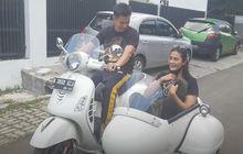 Kasih Surprise Ke Baim Wong, Paula Verhoeven Nyaris Celaka Saat Bawa Vespa GTS 150 Sespan Untuk Hadiah Sang Suami Bareng Supirnya