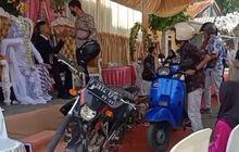 Kocak, Video Motor Antri Naik ke Pelaminan Bikin Warga Bengong, Netizen: Untung Gak Ngebul Tuh Knalpot