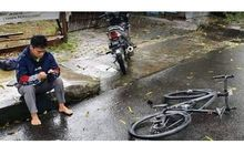 Viral Seorang OB Mendadak Lemas Usai Motornya Tabrak Sepeda, Pemilik Minta Uang Ganti Rugi Rp 130 Juta