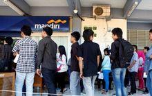 Asik Bank Mandiri Kasih Kartu Khusus untuk Penerima Bantuan Pemerintah