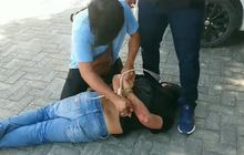 Debt Collector Sok Jagoan Ditodong Pistol Kantor Leasing Diserbu Polisi