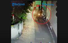 Video Sekumpulan Pemuda Bermotor Iseng Sebar Sampah di Rumah Warga