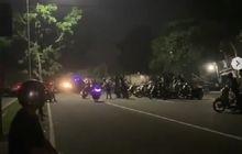 Brakkk, Video Detik-detik Motor Balap Liar Tabrak Trotoar Saat Race