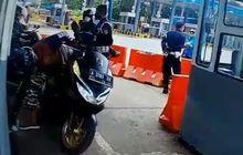 Ngeri, Ambil Karcis Jatuh Pemotor Malah Tarik Gas, Hampir Nyemplung ke Laut