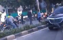 Geger, Video Balap Liar Tutup Jalan Raya Pondok Indah di Pagi Hari