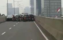Bahaya Ini Yang Mengintai, Jika Motor Nekat MelewatiFlyover Casablanca