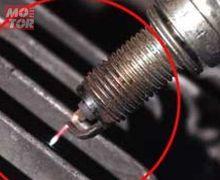 Video Cara Gampang Cek Kondisi Busi di Motor Injeksi, Beda Lho dengan Karburator