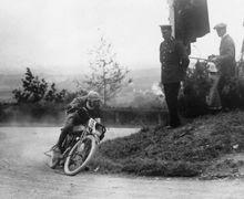 Enggak Tahunya Zaman Dulu Balapan MotoGP Pernah di Jalanan Umum