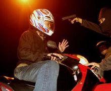 Mirip Pistol, Maling Menodongkan Ke Pemilik Motor Langsung Kabur