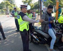Pilih Denda atau Penjara, Pemakai Knalpot Brong Gak Berkutik, Distop  Polisi di Jalan Raya