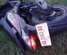 Honda BeAT Masih Bau Dealer Remuk Tiduran di Rumput, Nyawa Pemotor Gak Tertolong