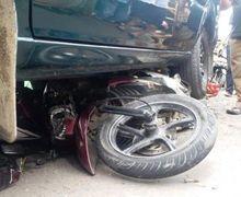 Tragis, Motor Soul GT Tabrakan dengan Mobil Kijang, Pemotor Tewas Terlindas Ban
