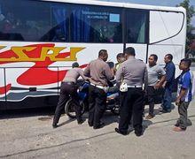 Tegang, Pengendara Honda Supra Luka Parah, Bus Ugal-ugalan Gak Berkutik Dikepung Polisi