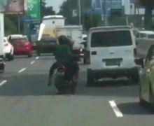 Video Detik-detik Honda Vario Nyelonong ke Jalan Tol Dalam Kota, Pemotor Bisa Dipenjara