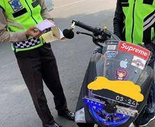 Kebanyakan Gaya, Yamaha NMAX Pakai Sirine dan Rotator Kawal Ambulans, Langsung Ditilang Polisi