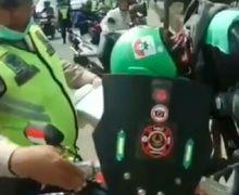 Kebanyakan Gaya, Driver Ojol Ditilang Polisi, Sengaja Pasang Rotator dan Bunyikan Sirine
