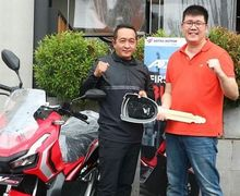 Baru Launching Motor Sudah Pindah Tangan, Ini Konsumen Pertama Yang Menerima Honda ADV150